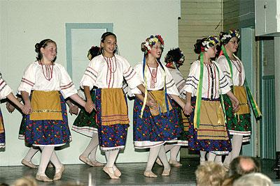 20061013_feastdancers