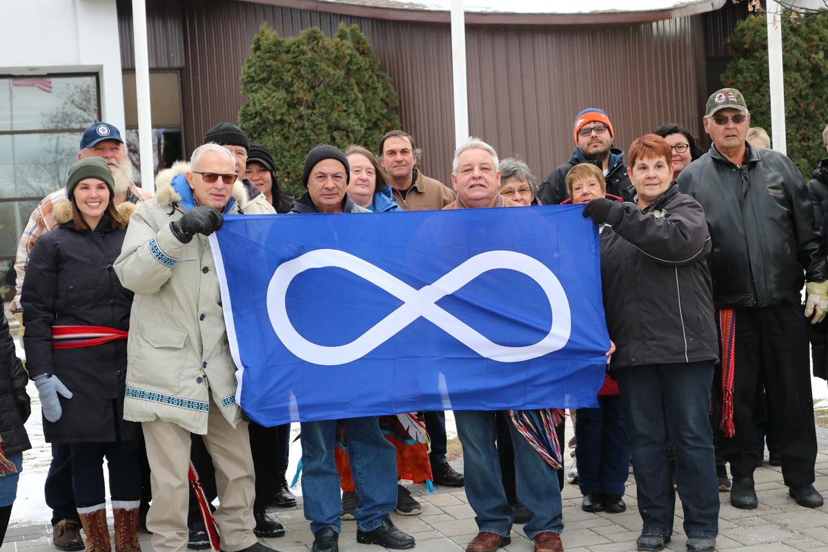 Métis-flag-raising