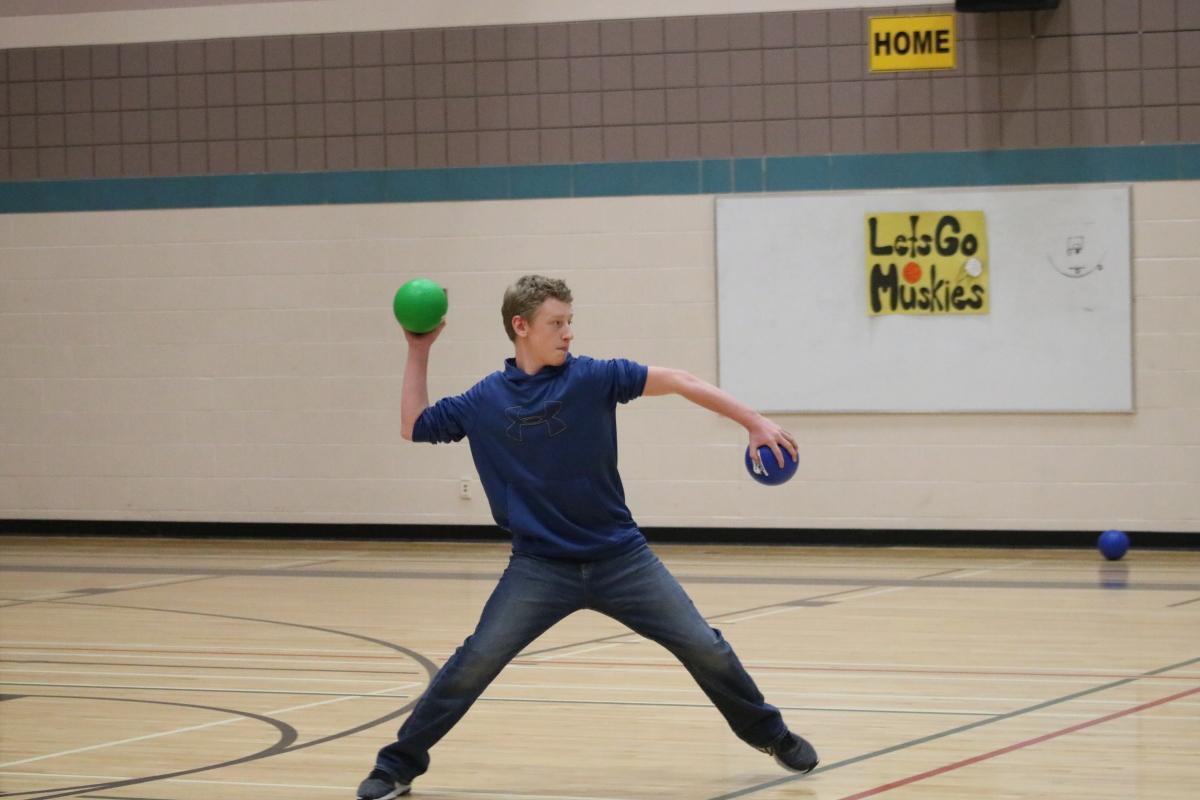 dodgeball throw